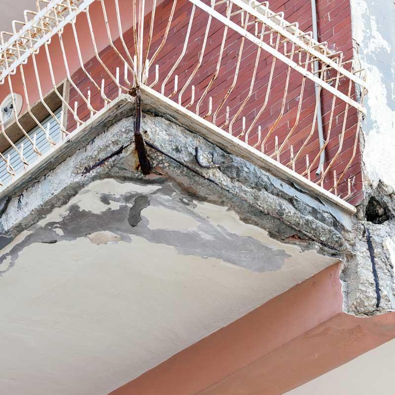 Noi di Artigian Pietre, Impresa Costruzioni Edili, sia specializzati nella realizzazione di opere di manutenzione ordinaria -straordinaria e nella ristrutturazione parziale o totale di condomini.
